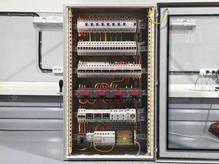 Электрошкафы, электрощитовые: рекомендации систем пожаротушения